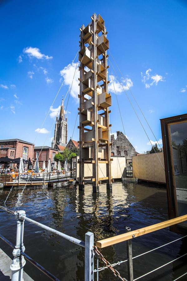 Leven op het water aan Oud Sint-Jan.