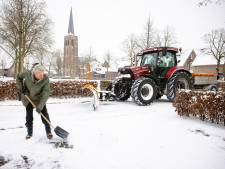 Bart en zijn collega's voeren rond Hilvarenbeek strijd tegen de sneeuwduinen