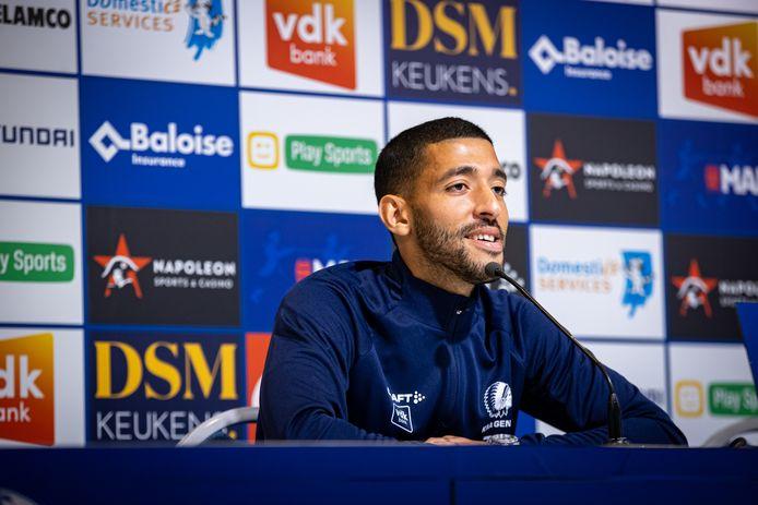 Tarik Tissoudali op de persconferentie voor de partij tegen Beerschot.