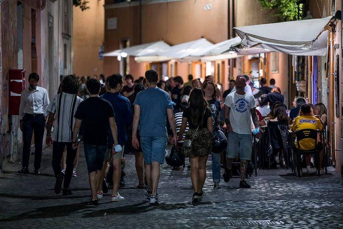 Zaterdagnacht in de wijk Trastevere in Rome.
