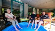 """""""Ice tea, ijsjes en een verfrissend voetbad"""": Antwerpse woonzorgcentra nemen maatregelen tegen hitte"""