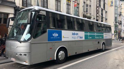 Nouveau job? Le prochain stop! VDAB en Actiris zetten Brusselaars bus op naar job in Vlaamse rand