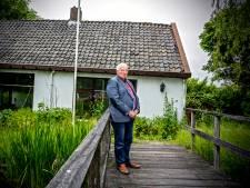 'Scheefste huis van Zoetermeer' gaat tegen de grond: 125 jaar oude woning maakt plaats voor twee-onder-een-kap