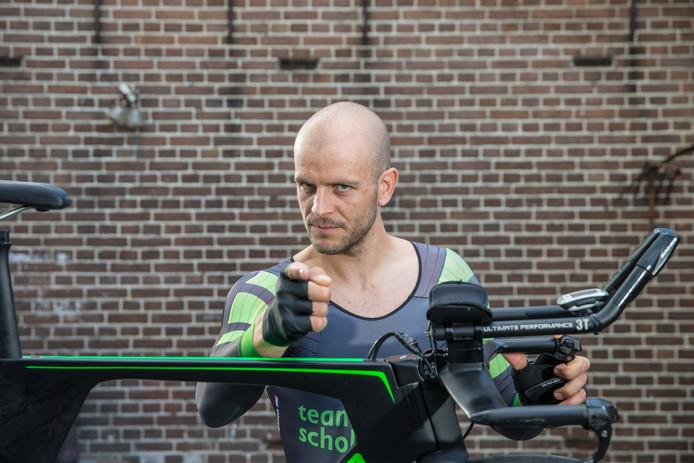 Tijdrijder Johan Tijssen dacht zich geplaatst te hebben voor het NK 2017. Dat pakte heel anders uit.Foto: Pedro Sluiter Foto 2017
