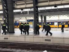 Supporters Willem II urenlang ingesloten op Amsterdam CS: 'Behandeld als criminelen'