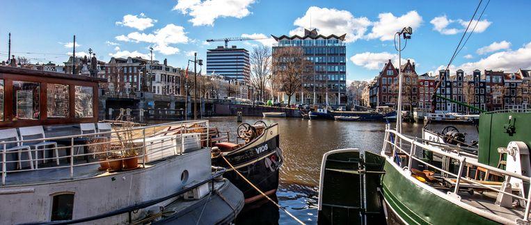 McKinsey & Company Netherlands is gevestigd op Amstel 344 (gebouw midden) in Amsterdam. Beeld Raymond Rutting / de Volkskrant