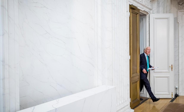 Op weg naar de Oude Zaal van de Tweede Kamer voor een persconferentie over zijn rol bij de kabinetsformatie Beeld Freek van den Bergh / de Volkskrant