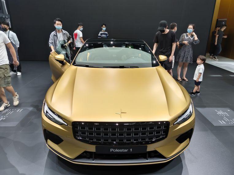 Een 'gouden' elektrische auto van Polestar. Beeld Getty Images