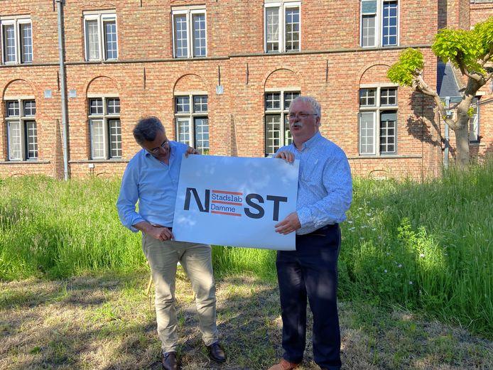Dams burgemeester Joachim Coens en Brugs schepen Nico Blontrock stelden het project voor.