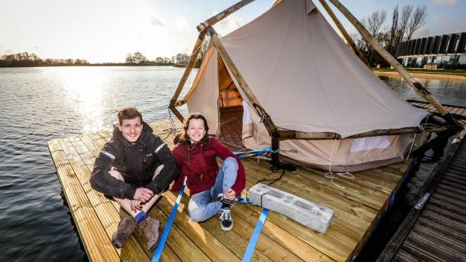 Op zoek naar een avontuurlijke vakantie? Brugs koppel heeft eerste vlot van 'VLOTKAMP' klaar