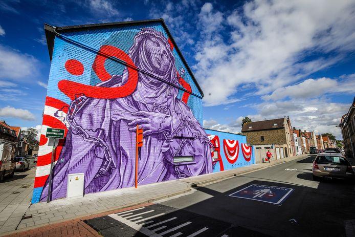 Brugge alle werken van het street art festival the Bridges zijn klaar: hier de beschilderde gevel in Prins Leopoldstraat 64.