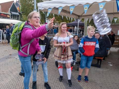 Otto Wunderbar waait aan op Oktoberfest in druk Renesse