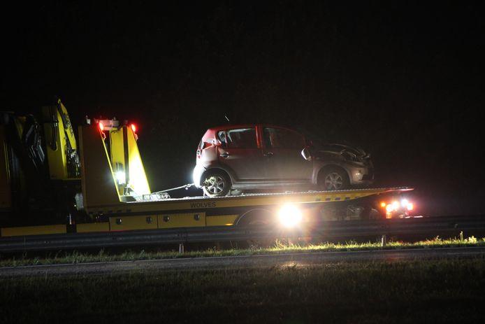 Een auto kwam tot stilstand tegen de vangrail op de middenberm van de A1 bij Deventer. Voor zover bekend raakte niemand gewond.