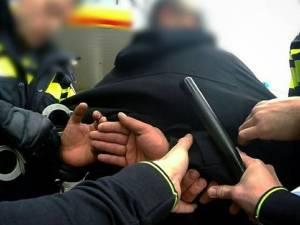 Bredanaar (45) bedreigt agenten met de dood en veroorzaakt geluidsoverlast in Breda