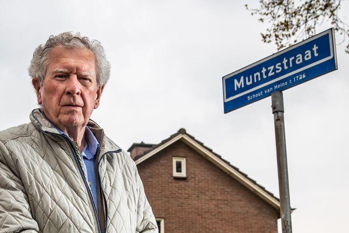 Oud-lid van de Commissie Straatnaamgeving Henk Hofman woont zelf aan de Muntzstraat in Heino. ,,Vroege voorgangers van de commissie moeten die naam ooit hebben bedacht. Ik vind het wel een mooie straatnaam, met veel historie.''
