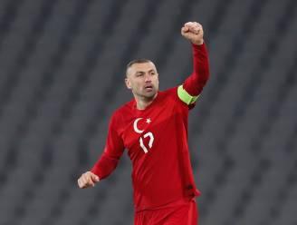 """Bijgenaamd """"de doelpuntenkoning"""" en vriend van Erdogan: Turkije rekent vanavond op 35-jarige Burak Yilmaz"""