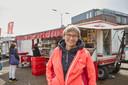 Marktmeester Annet ten Hooven is druk op zoek naar een nieuwe marktslagerij die de plek van Jansen kan innemen in Neede.