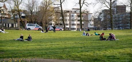 Eerste boetes voor samenscholen in Mook en Middelaar