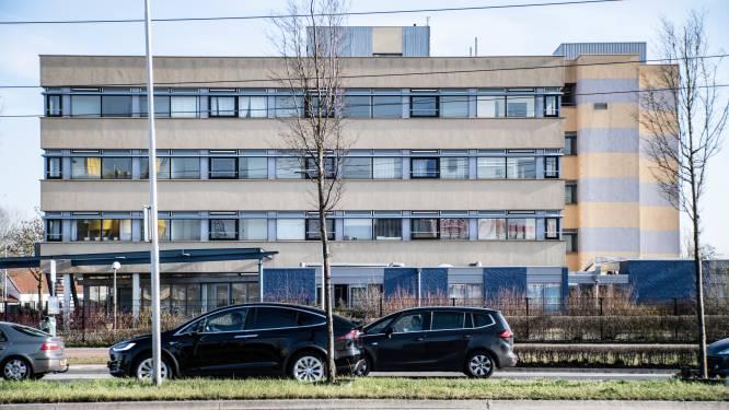 Eigenaren Tiemstrapand met 80 onbewoonbare appartementen: 'Nijmegen, koop ons maar uit'