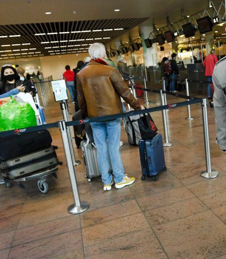 A-t-on levé trop vite l'interdiction de voyager?