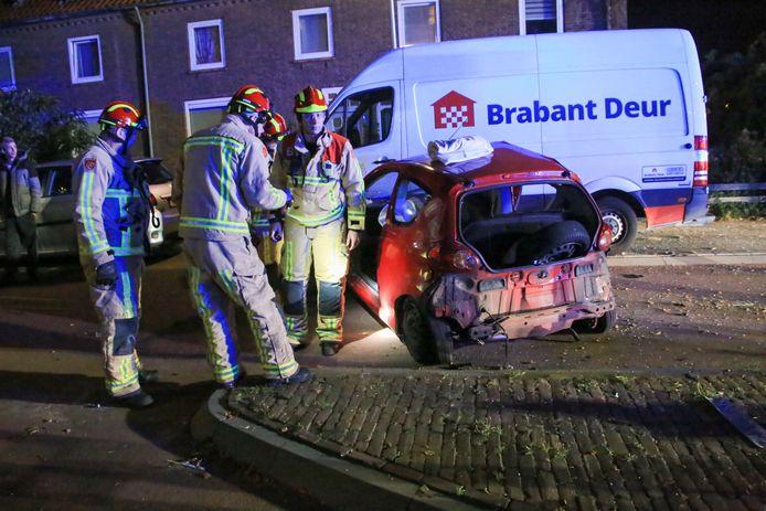 Ongeval met meerdere auto's in Helmond.