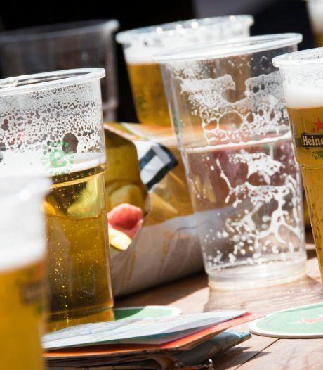 GroenLinks Brummen wil verbod op schadelijke feestmaterialen als confetti en plastic bierbekers