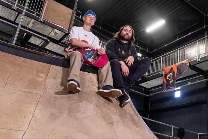 Thomas Kappe (links) en Jasper van der Horst begonnen samen De Skate Centrale in Amersfoort.