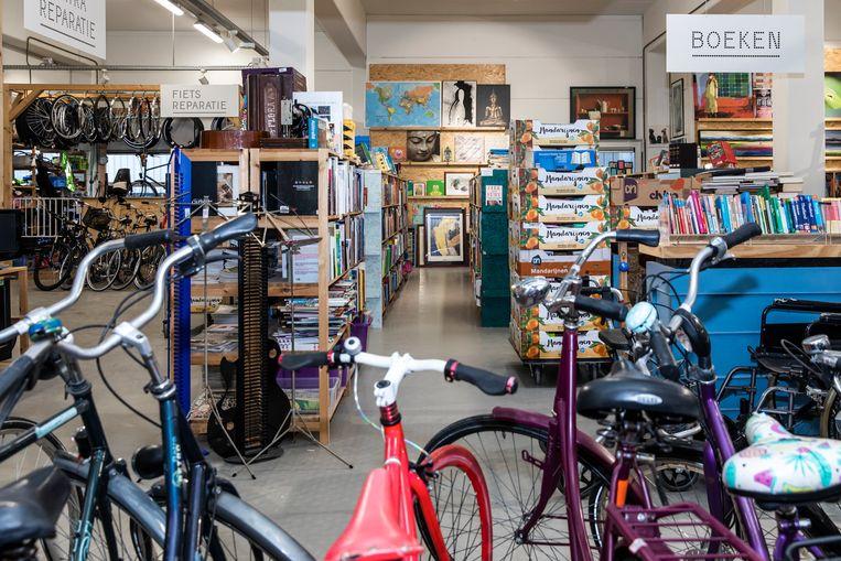 Kringloopwinkel Rataplan in Diemen die is gesloten vanwege de coronapandemie. Beeld Dingena Mol