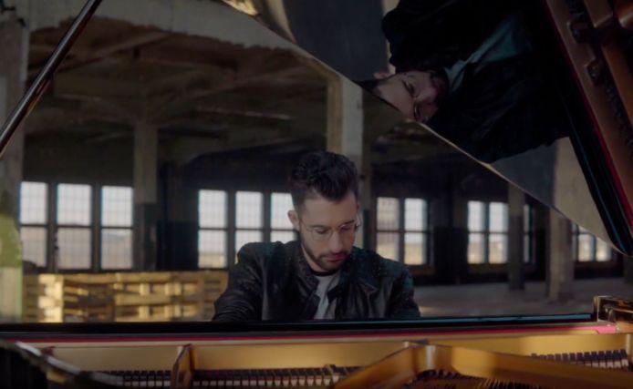 Daniel Verstappen in zijn videoclip.