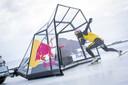 Energiedrank Red Bull scoort in de Merken Top 100 mede dankzij Max Verstappen en Kjeld Nuis