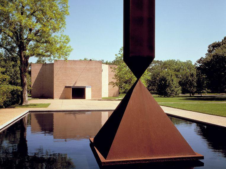 De achthoekige Rothko-kapel, bedevaartplaats voor alle gelovigen én atheïsten. Beeld RV