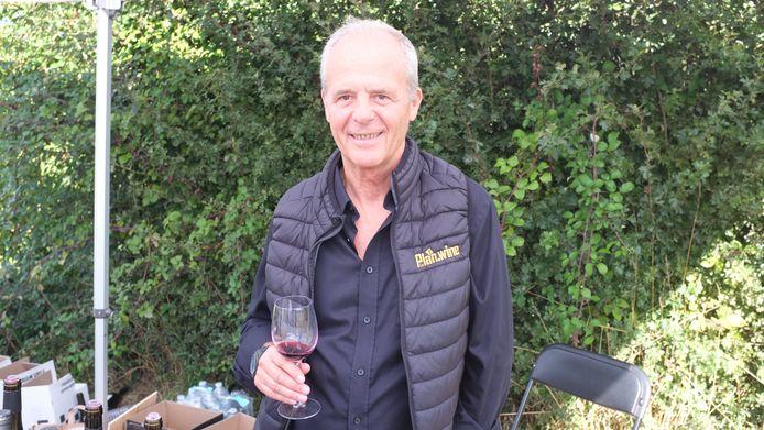 Na een carrière als professioneel rallypiloot, gooide Dirk Vermeersch zich op het wijnmaken en niet zonder succes.
