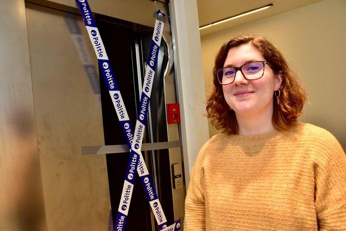 Aline Willemyns (28), één dag na het vreemde avontuur bij de lift van residentie Lijsterbes in Ardooie.