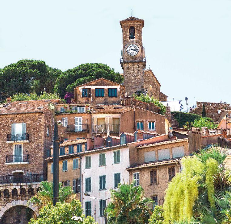 Le Suquet, de oude stadskern van Cannes, ligt rond een kasteel op een heuvel.