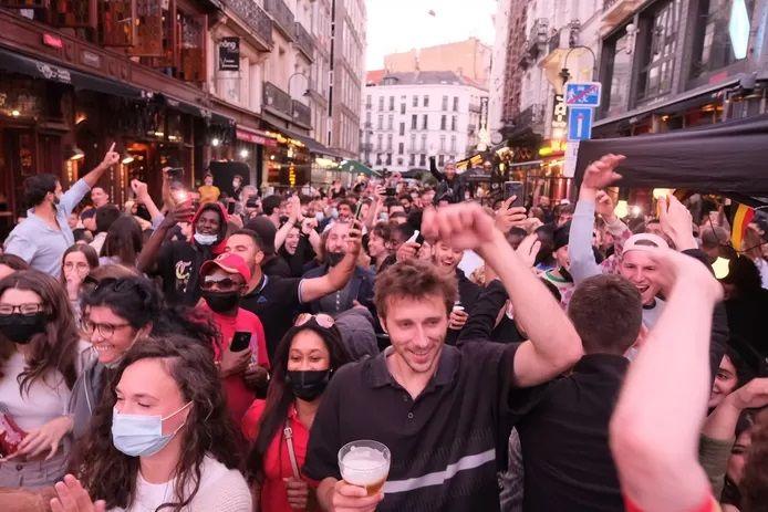 De nombreux supporters des Diables rouges se sont rassemblés à Bruxelles pour regarder le match contre la Russie.