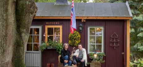 Ben en Gemma wonen in houten noodwoning: 'Je krijgt hier vanzelf groene vingers'