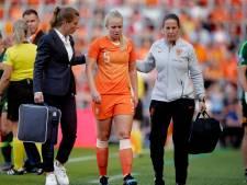 Van Es heeft breukje in haar hand, consequenties voor WK onduidelijk
