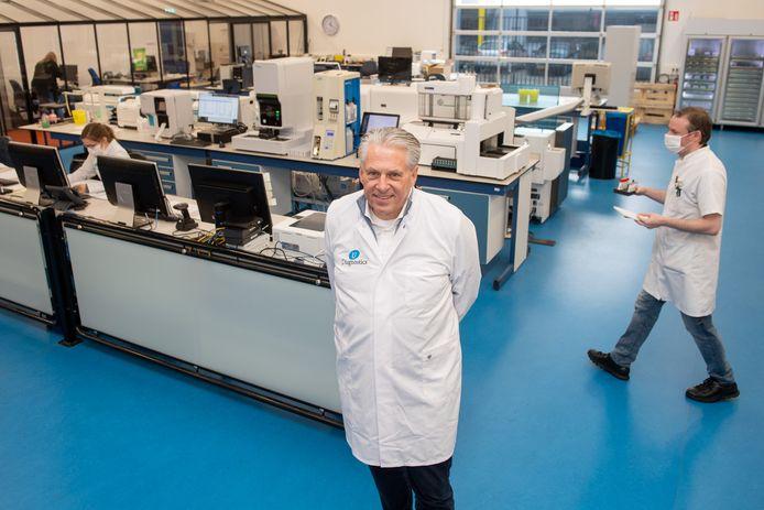 CEO Maarten Cuppen van U-Diagnostics in het laboratorium in Baarn.
