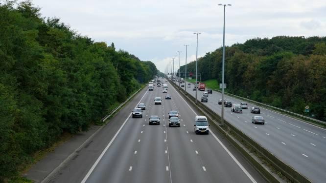 """Laagvliegers op autosnelwegen rond Gent krijgen geen medelijden: """"Misschien had u aan uw kinderen moeten denken, toen u 200 kilometer per uur reed"""""""