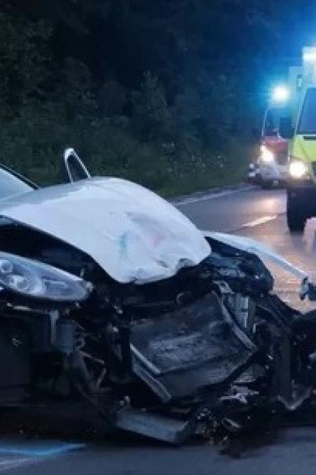 Bestuurder Porsche in shock na zware botsing met Zeeuwse motoragent: 'Ik hoop dat hij het redt'