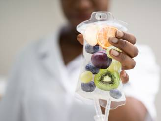 """De zin en onzin van vitamine-infusen, de nieuwste hype om je gezondheid een opkikkertje te geven: """"Topfitte mensen komen niet bij ons langs"""""""
