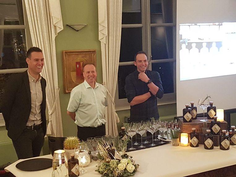 Tijs Warpy, Patrick Vermeulen en Nick Vervoort zijn de bedenkers van de Silky Swan Gin