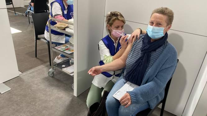 """Eerste 600 vaccins zijn toegediend in Turnhout en Weelde: """"Vanaf 15 maart hopen we 65-plussers te vaccineren"""""""