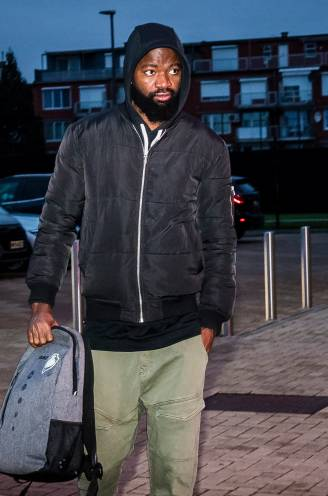 """""""Onze mening is dus niets waard"""": fans én spelersgroep niet te spreken over terugkeer van Lamkel Zé in A-kern, kan Vercauteren tijdbom ontmantelen?"""