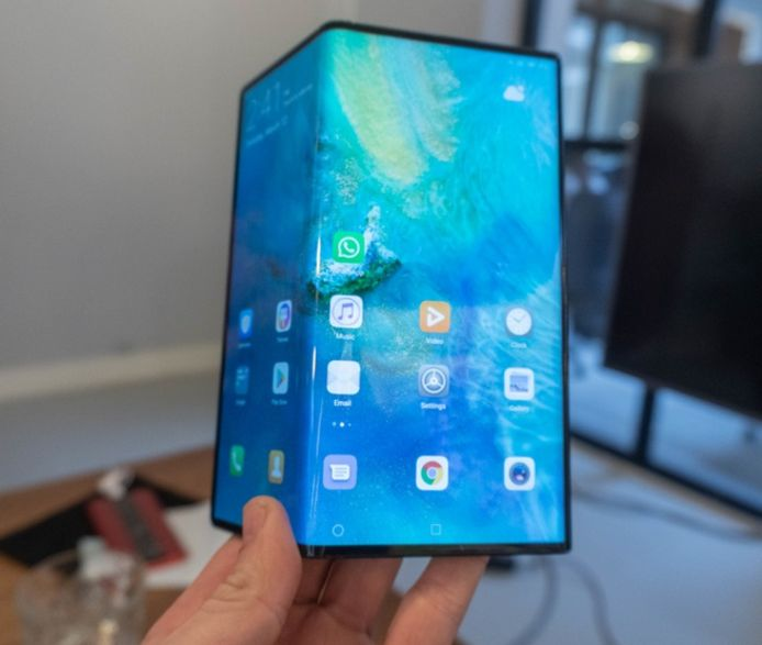 Huawei Mate X. Zonder headphone jack