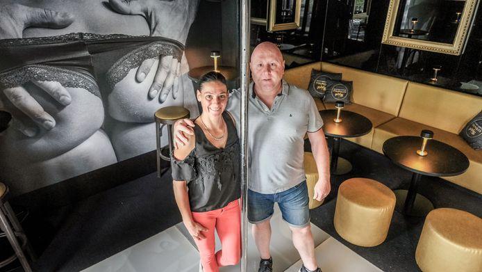 Soraya Vandamme en Benny Vandenbroucke, in Pourquoi Pas. Hun parenclub opent voorlopig nog niet