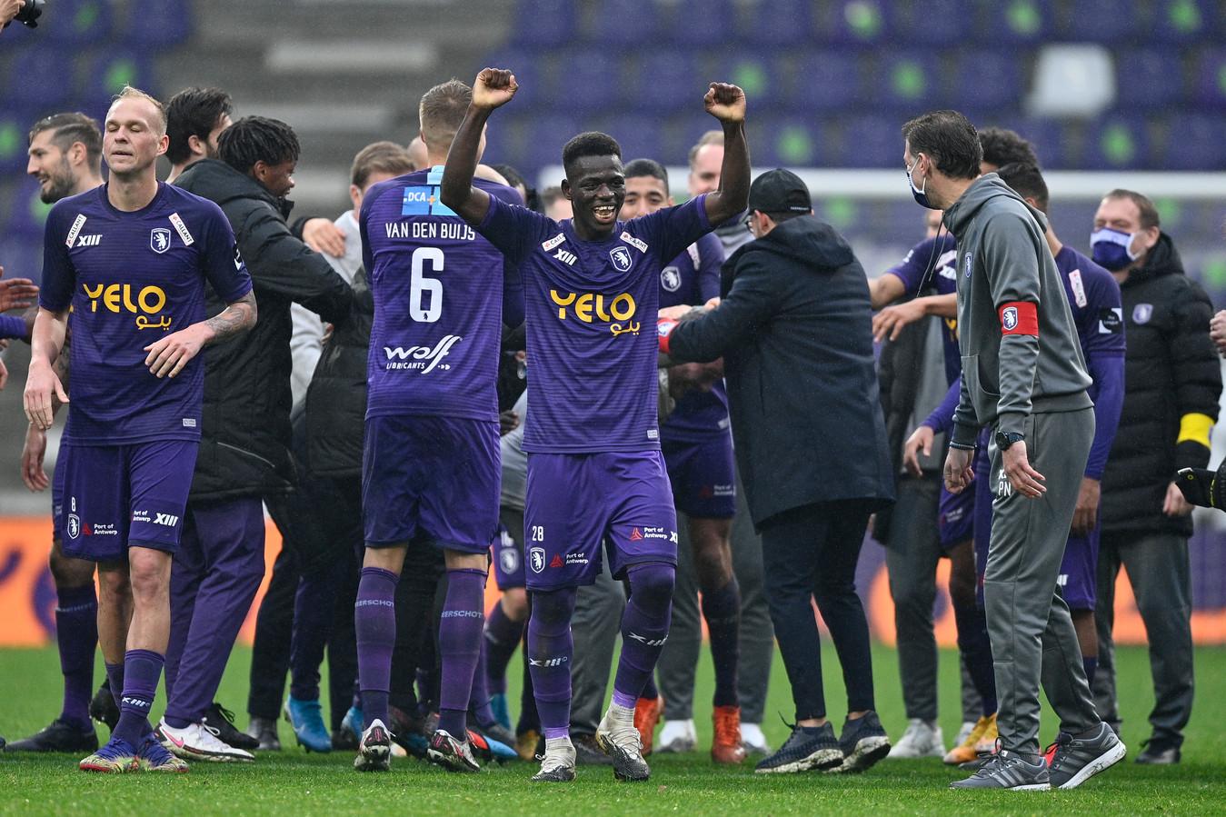 Beerschot na de winst tegen Anderlecht.