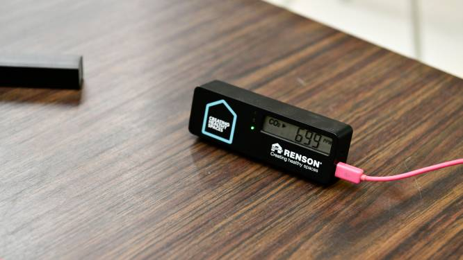 """Vraag CO2-meters stijgt nu horeca en fitness straks ook binnen open mogen: """"Een goed toestel heb je vanaf 120 euro"""""""