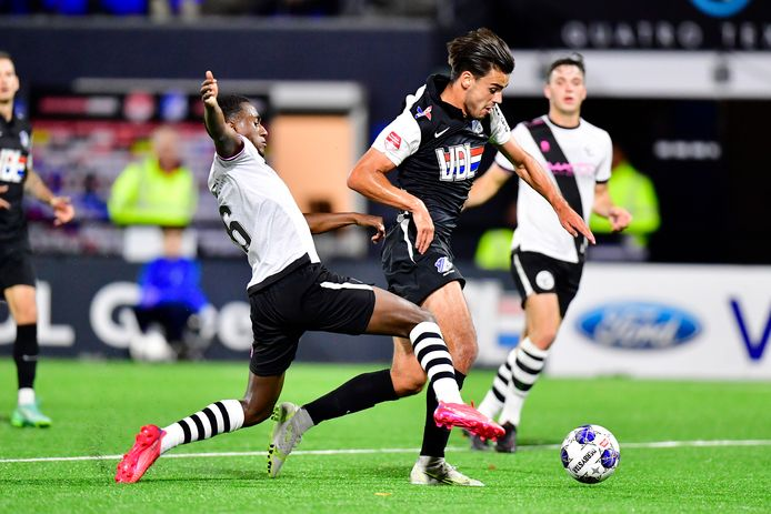 Dave de Meij in actie namens FC Eindhoven tegen FC Den Bosch (1-0 winst)