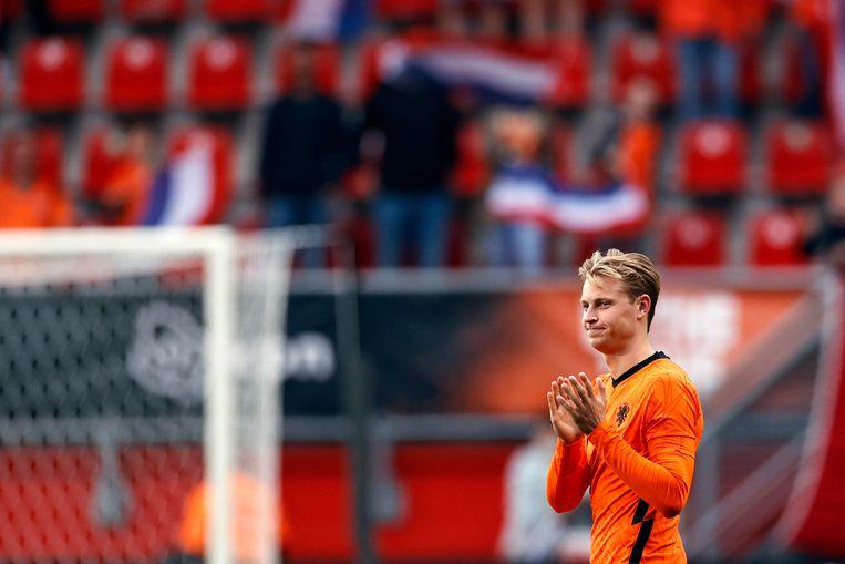 Frenkie de Jong  tijdens het officiële uitzwaai moment na afloop van de vriendschappelijke wedstrijd tussen Nederland en Georgië.  Beeld   ANP